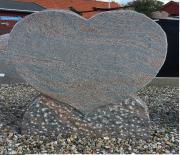 Halmstad hjerte 62 x 70 cm Pris 8400 kr