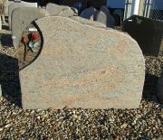 Poleret halmstad med rå kanter og rose - 73x57 cm. Pris 7250kr