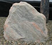 Lyserød kløvet kampesten 75 x 65 cm Pris 7280 kr